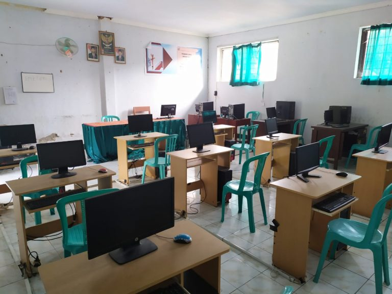 Laboratorium Komputer & Multimedia