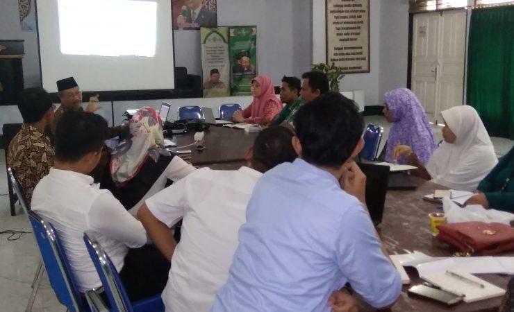 Workshop Penyusunan Borang Akreditasi LAM-PT KES Fakultas Kesehatan UNU NTB
